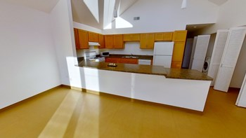 101 N 15Th Ave 2-4 Beds Apartment for Rent Photo Gallery 1