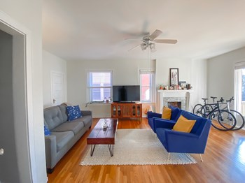 3513-3515 Wyandotte Street 1 Bed Apartment for Rent Photo Gallery 1