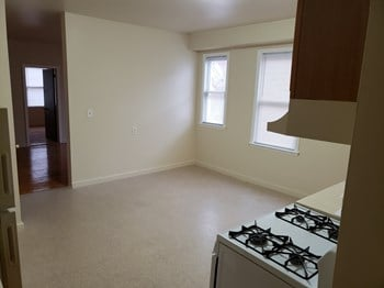 2495-2620 Main Street 4 Beds Apartment for Rent Photo Gallery 1