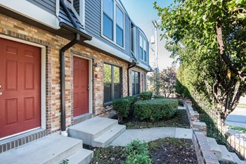 4000 Oak Street 1-2 Beds Apartment for Rent Photo Gallery 1