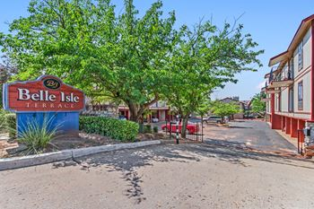 4861 N. Blackwelder Ave 1-2 Beds Apartment for Rent Photo Gallery 1