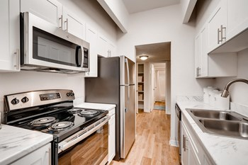 456 South Ironton Street 1-3 Beds Apartment for Rent Photo Gallery 1
