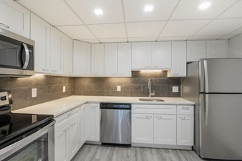401 12Th Street South Studio-2 Beds Apartment for Rent Photo Gallery 1