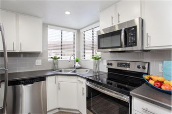 7007 E Gold Dust Ave 1-3 Beds Apartment for Rent Photo Gallery 1