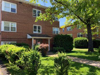 204-210 E Hamilton Avenue Studio Apartment for Rent Photo Gallery 1