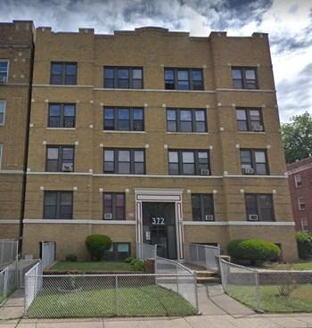 372 Park Avenue Studio Apartment for Rent Photo Gallery 1