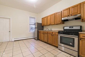 76 Boyd Avenue 4 Beds House for Rent Photo Gallery 1