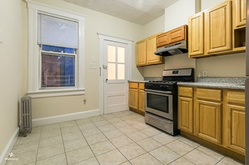 342 Avenue E 2 Beds House for Rent Photo Gallery 1
