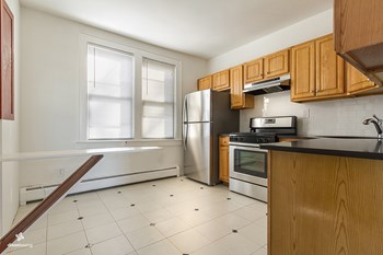 564 Liberty Avenue 2 Beds House for Rent Photo Gallery 1