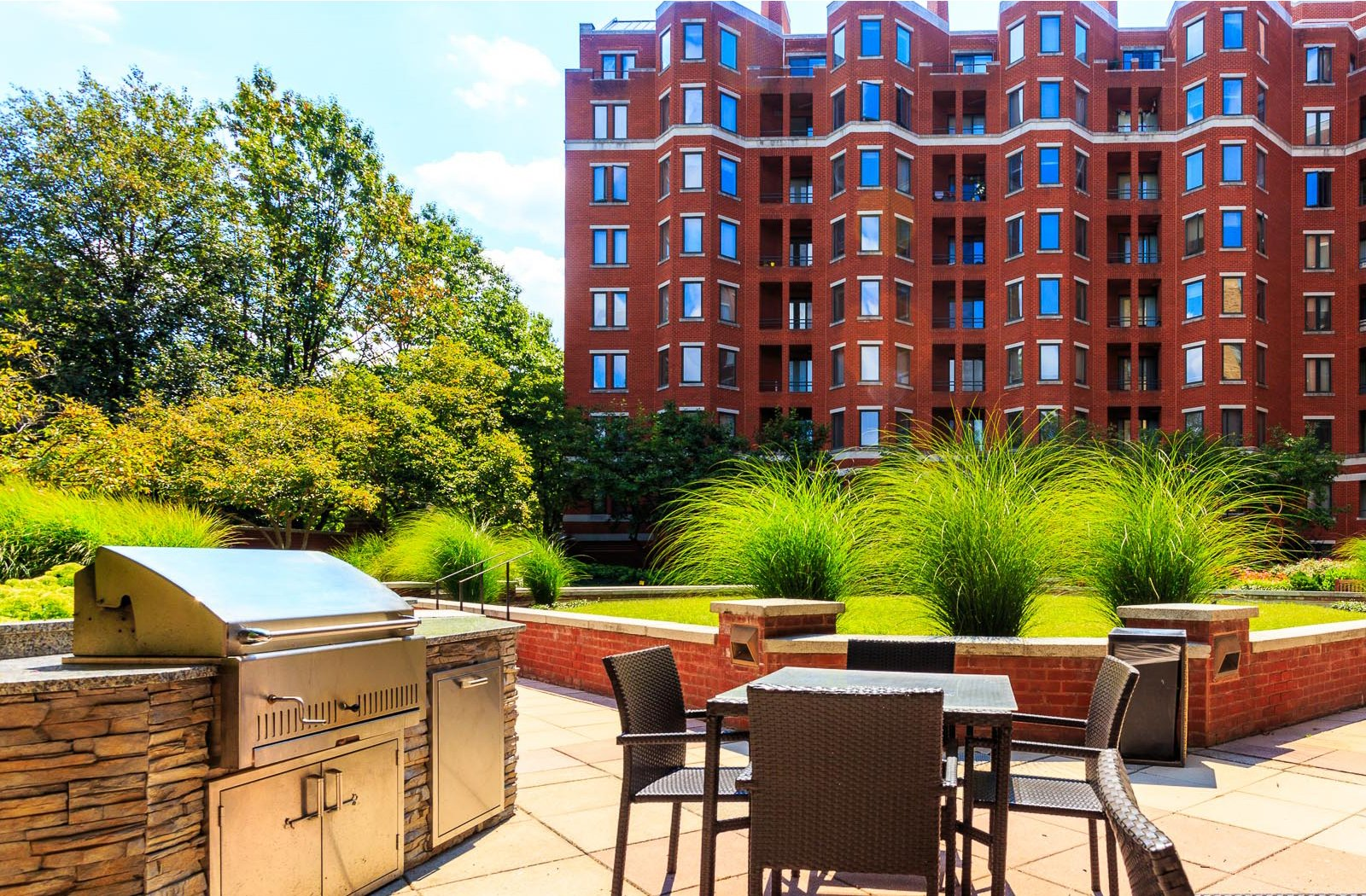 Picnic And BBQ Area At The Saratoga Apartments, Washington, Washington, D.C.