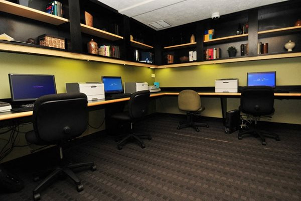 Full Service Executive Business Center at The Chesapeake, Washington