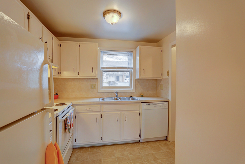 Central PA Apartments in Akron, PA | Fulton Manor | Property Management, Inc.