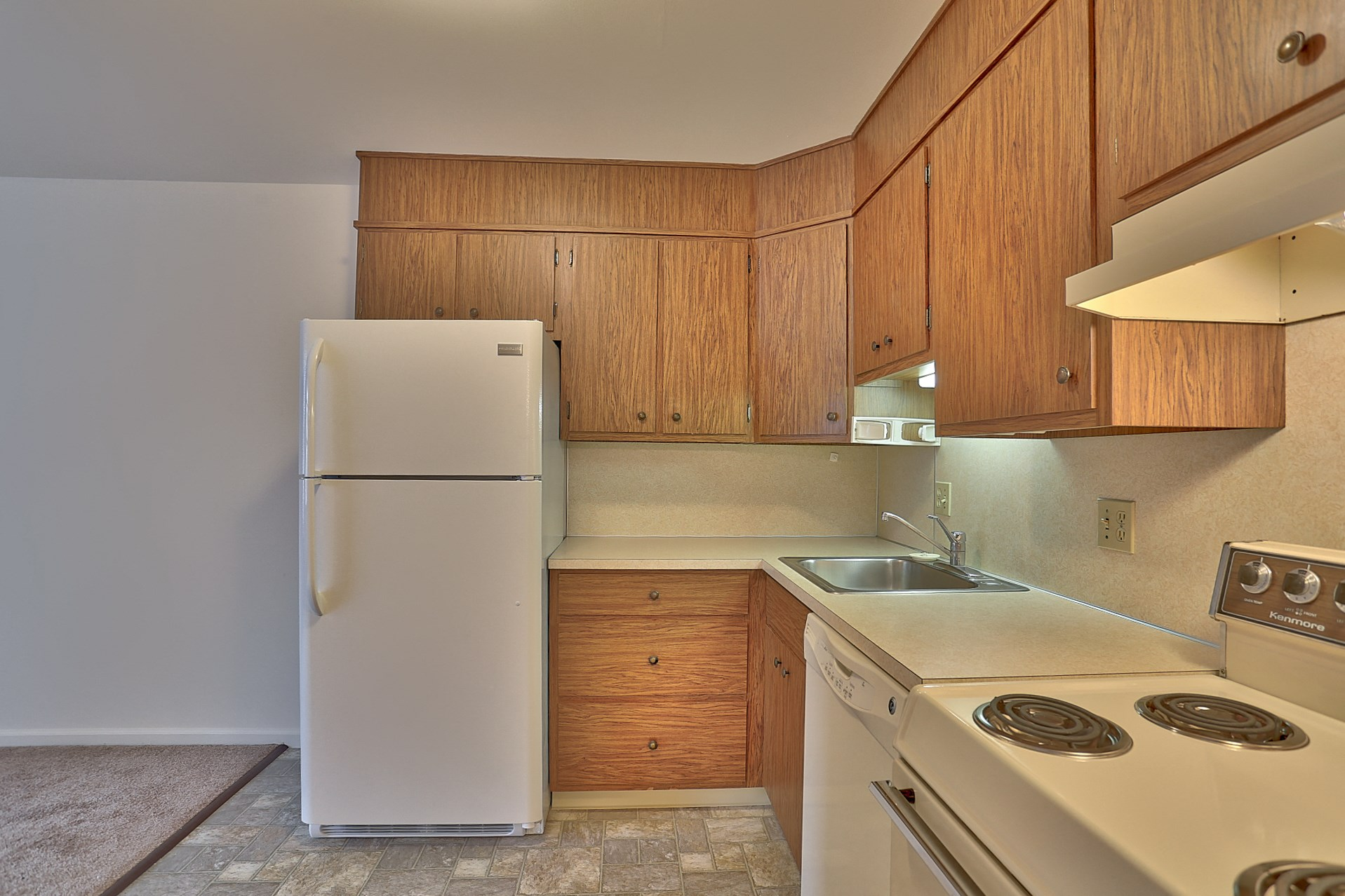 Akron Apartments in Akron, Pa | Colonial Apartments | Property Management, Inc.