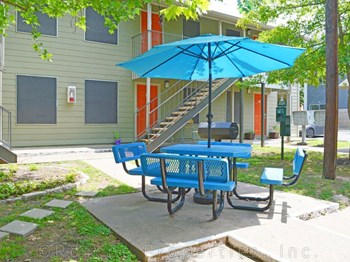 2207 S 5th Street Studio-2 Beds Apartment for Rent Photo Gallery 1