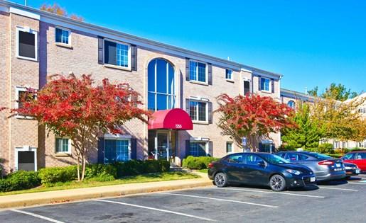 Dulles Glen Apartment View