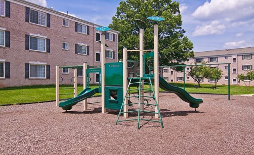 Playground at Dulles Glen