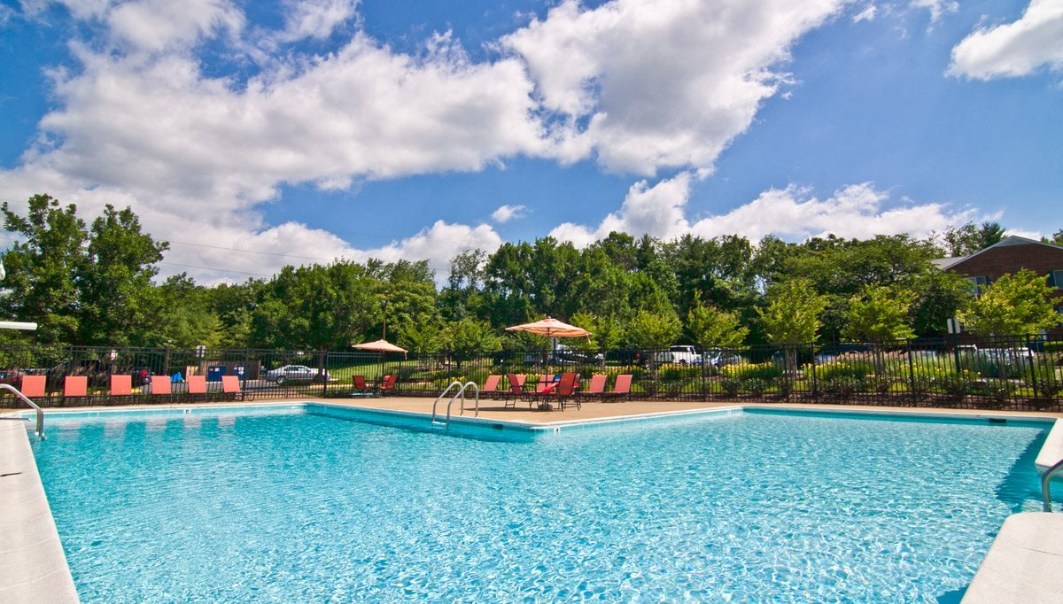 Sparkling Swimming Pool at Tuscarora Creek, Leesburg