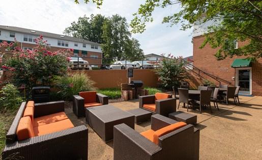 Outdoor Resident Lounge at Park Georgetown, Arlington, Virginia