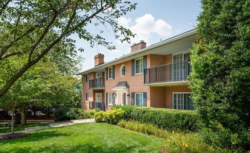 Fairfax Square Apartments at Fairfax Square, Fairfax
