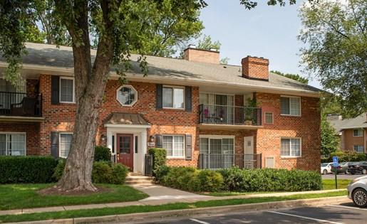 Fairfax Square Apartments at Fairfax Square, Virginia
