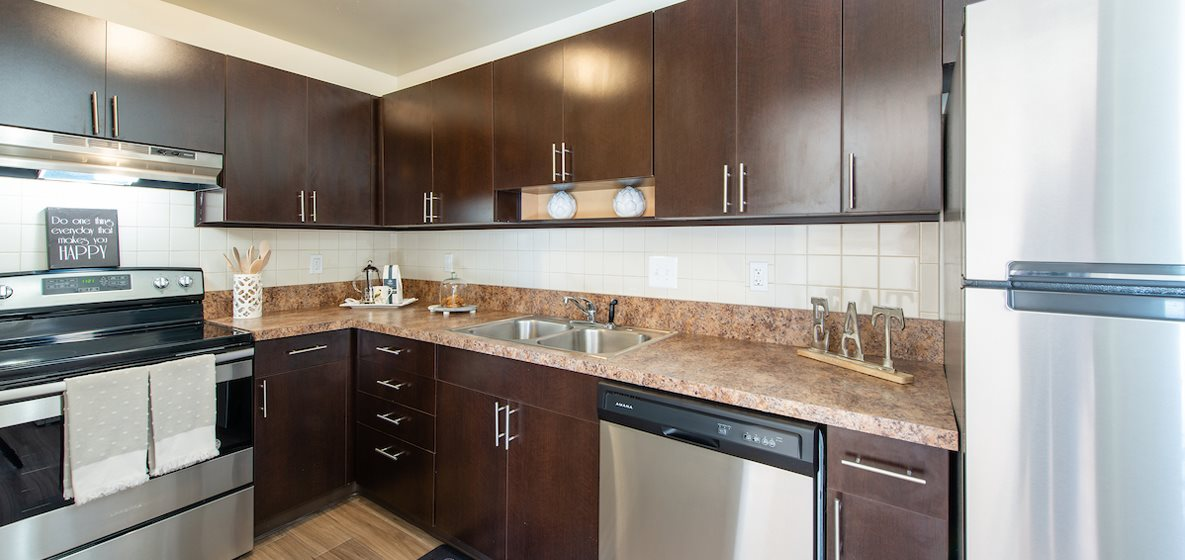Modern Kitchen at Middletown Valley