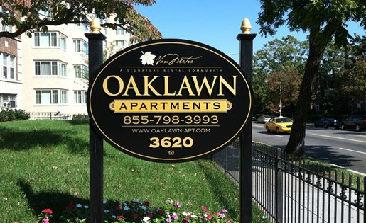 Exterior signage at Oaklawn