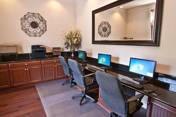 24-Hour Business Center at Broadlands, Ashburn