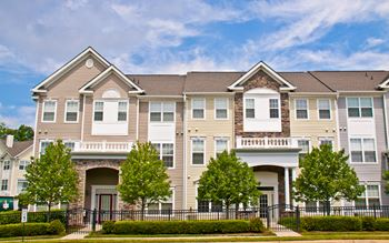 21799 Crescent Park Square 1-3 Beds Apartment for Rent Photo Gallery 1