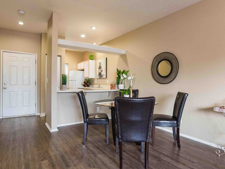 Goose Hollow Townhomes | Dining Room
