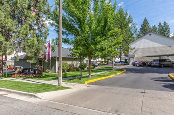 601 S Woodruff RD 1-3 Beds Apartment for Rent Photo Gallery 1