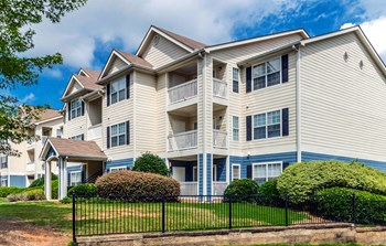 158 Paper Mill Rd 2-3 Beds Apartment for Rent Photo Gallery 1