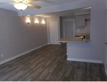 1806 E Concorda Dr 2-3 Beds Apartment for Rent Photo Gallery 1
