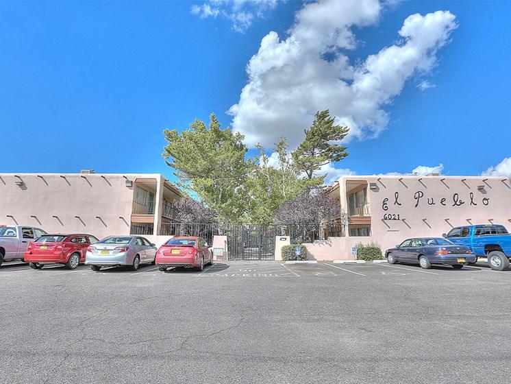 El Pueblo Apartments
