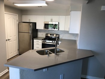 390 Paseo Camarillo 1-2 Beds Apartment for Rent Photo Gallery 1