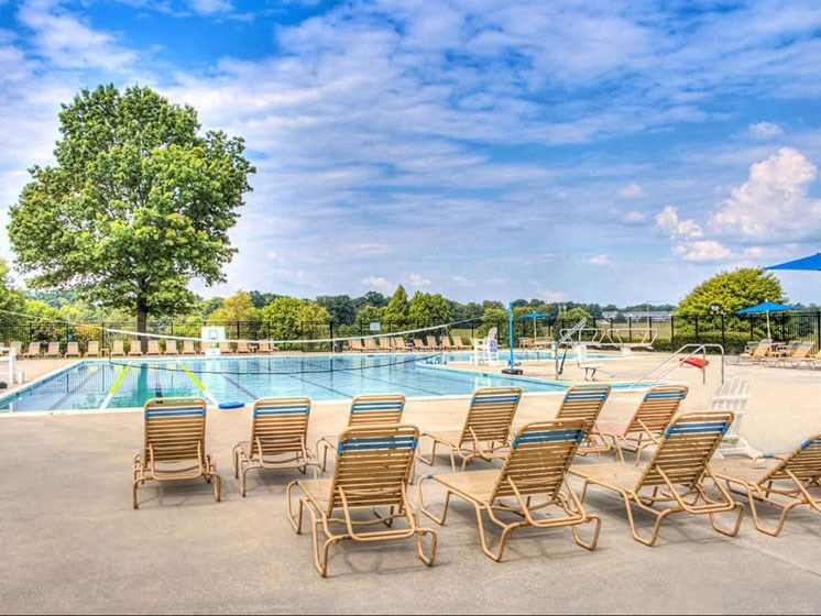 Pool Seating at Hethwood Apartment Homes, Virginia