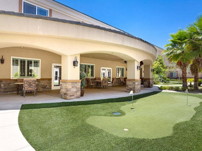 Putting Green at Pacifica Senior Living San Martin in Las Vegas, NV
