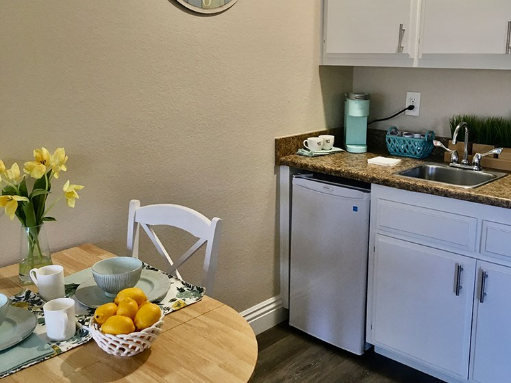 Well Equipped Kitchen And Dining at Pacifica Senior LIving, Alta Vista Senior Living, Vista, CA