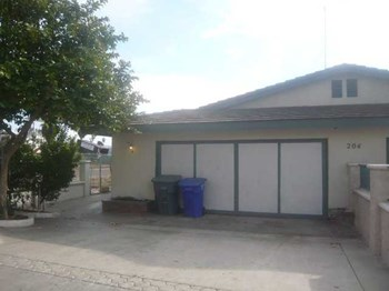 A 2 Beds House for Rent Photo Gallery 1