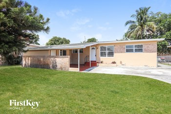 6505 Flagler St 3 Beds House for Rent Photo Gallery 1