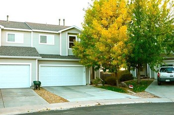 8025 S Kalispell Wy 3 Beds House for Rent Photo Gallery 1