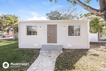5900 SW 63rd St 3 Beds House for Rent Photo Gallery 1