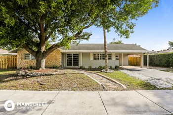 334 NW 12Th Ave 4 Beds House for Rent Photo Gallery 1