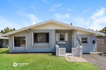 7680 Plantation Blvd 3 Beds House for Rent Photo Gallery 1