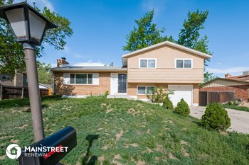 1336 S Bowen St 3 Beds House for Rent Photo Gallery 1
