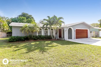 628 SW 18th Ave 4 Beds House for Rent Photo Gallery 1