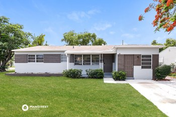 542 S 29Th Ct 3 Beds House for Rent Photo Gallery 1