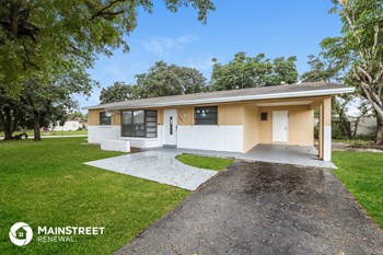 5801 Royal Palm Blvd 3 Beds House for Rent Photo Gallery 1