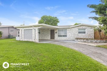 3521 NW 35th Way 3 Beds House for Rent Photo Gallery 1