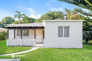 2611 Hayes St 3 Beds House for Rent Photo Gallery 1