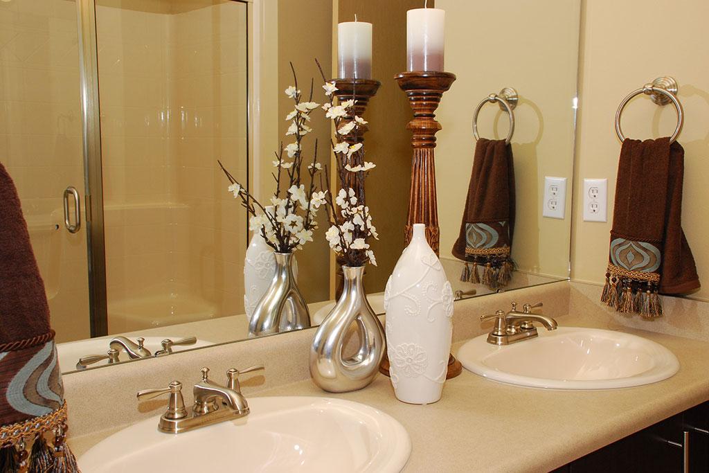 Designer Granite Countertops In All Bathrooms at Yauger Park Villas, Washington, 98502